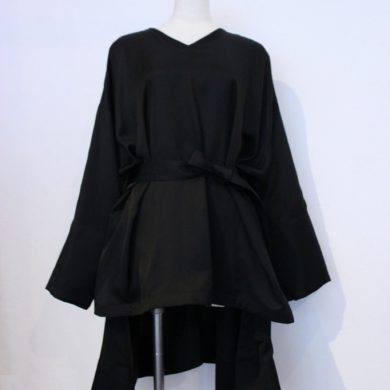 taro-horiuchi-v-neck-over-blouse